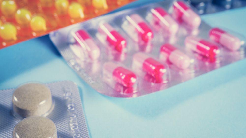 Paracetamol v těhotenství může způsobit hyperaktivitu dětí, tvrdí vědci