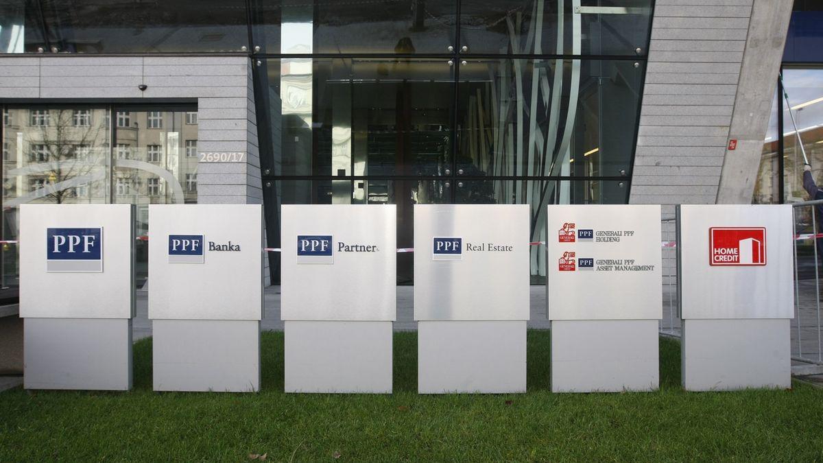 Skupina Home Credit se loni propadla do ztráty 15,3 miliardy korun