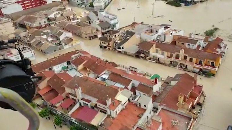 Záplavy ve Španělsku mají další oběti, pomáhá armáda