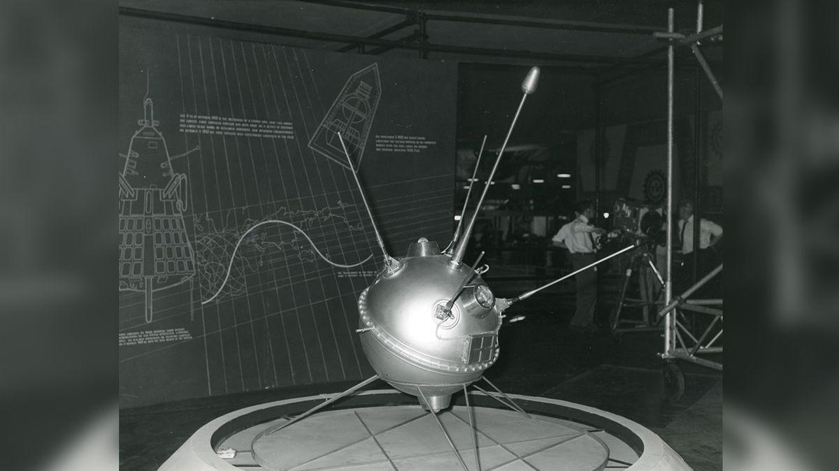 Před 60 lety dosáhl povrchu Měsíce první lidský výtvor, sovětská sonda Luna 2