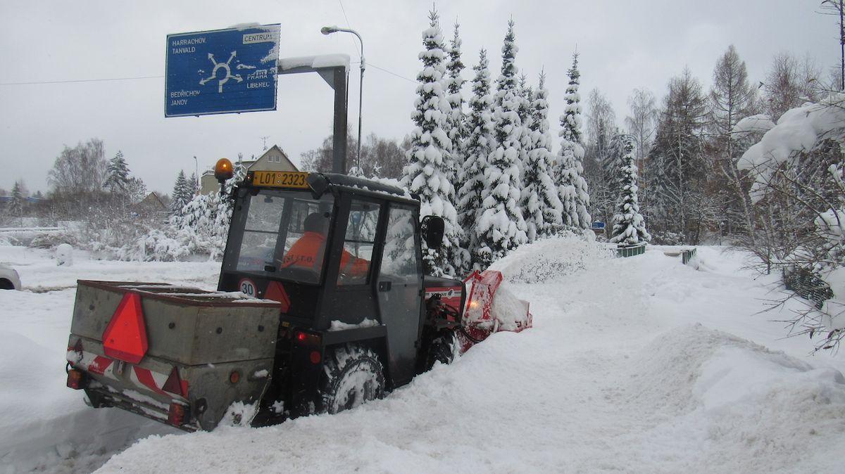 Mírná zima šetří silničářům desítky milionů. Zbude víc na opravy