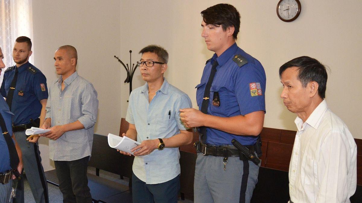 Vařičům drog dodávali chemikálie. Plzeňský soud vyměřil Asiatům 10 a 9 let vězení