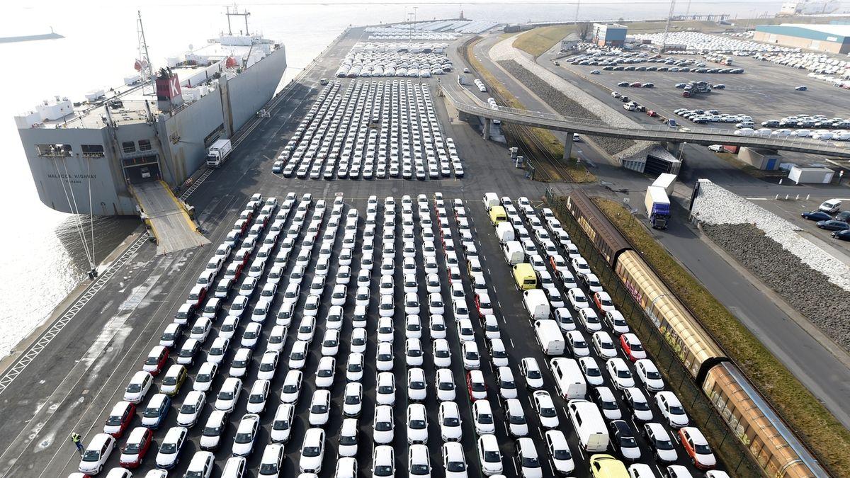 Nedostatek čipů přerušil výrobu ve slovenském Volkswagenu