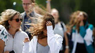 Meteorologové varovali před silným větrem, v sobotu čekají i vydatné srážky
