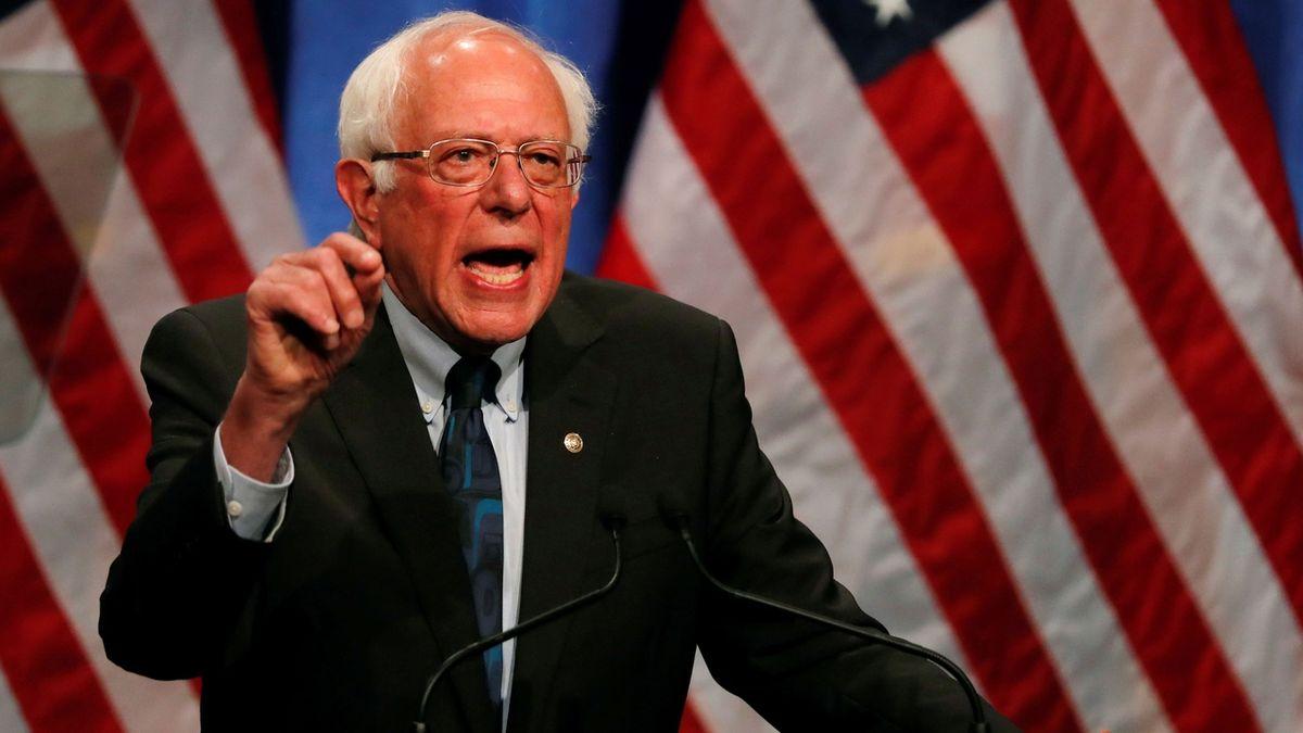 Demokraté se naposledy před primárkami utkali v televizní debatě, dominoval jí Sanders