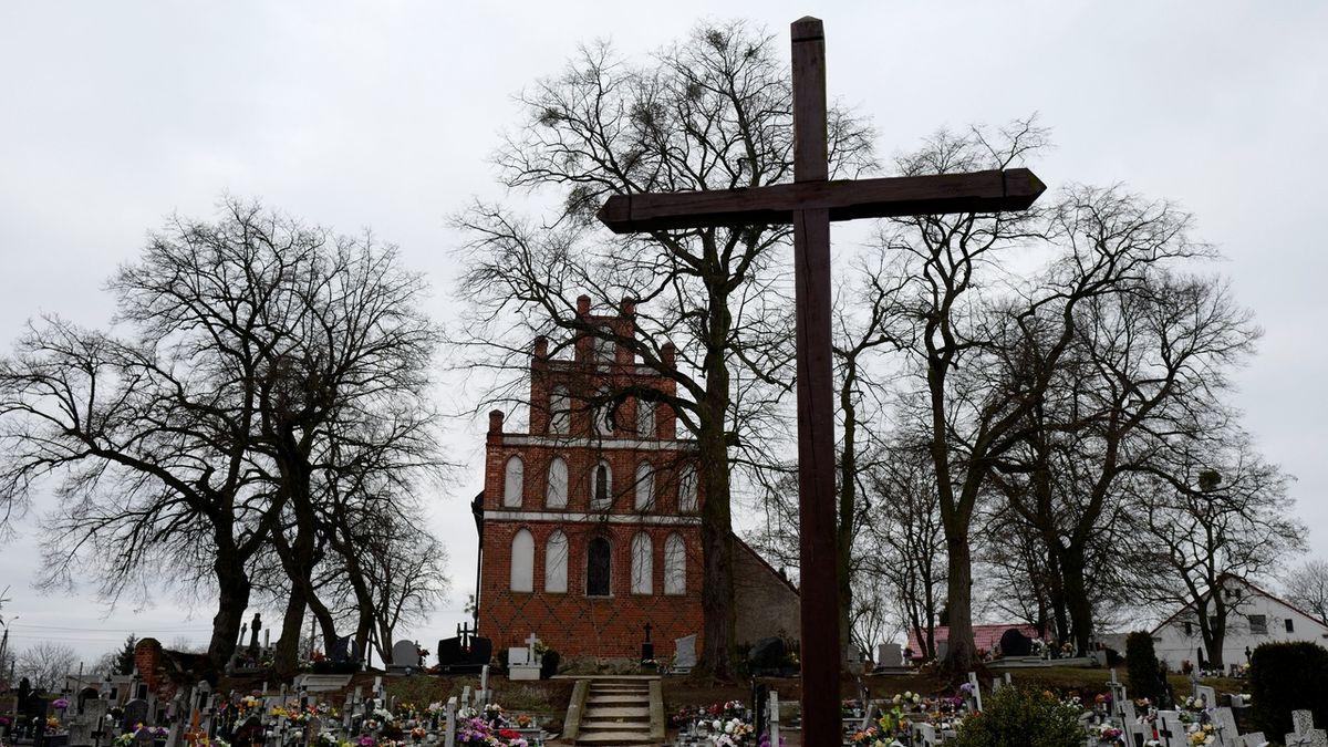Vatikán potrestal už čtvrtého polského biskupa
