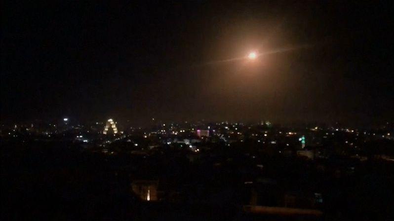 Při izraelském raketovém útoku na západě Sýrie zemřel jeden člověk