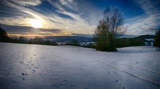Sněžit začne i v Čechách, na horách napadne až čtvrt metru