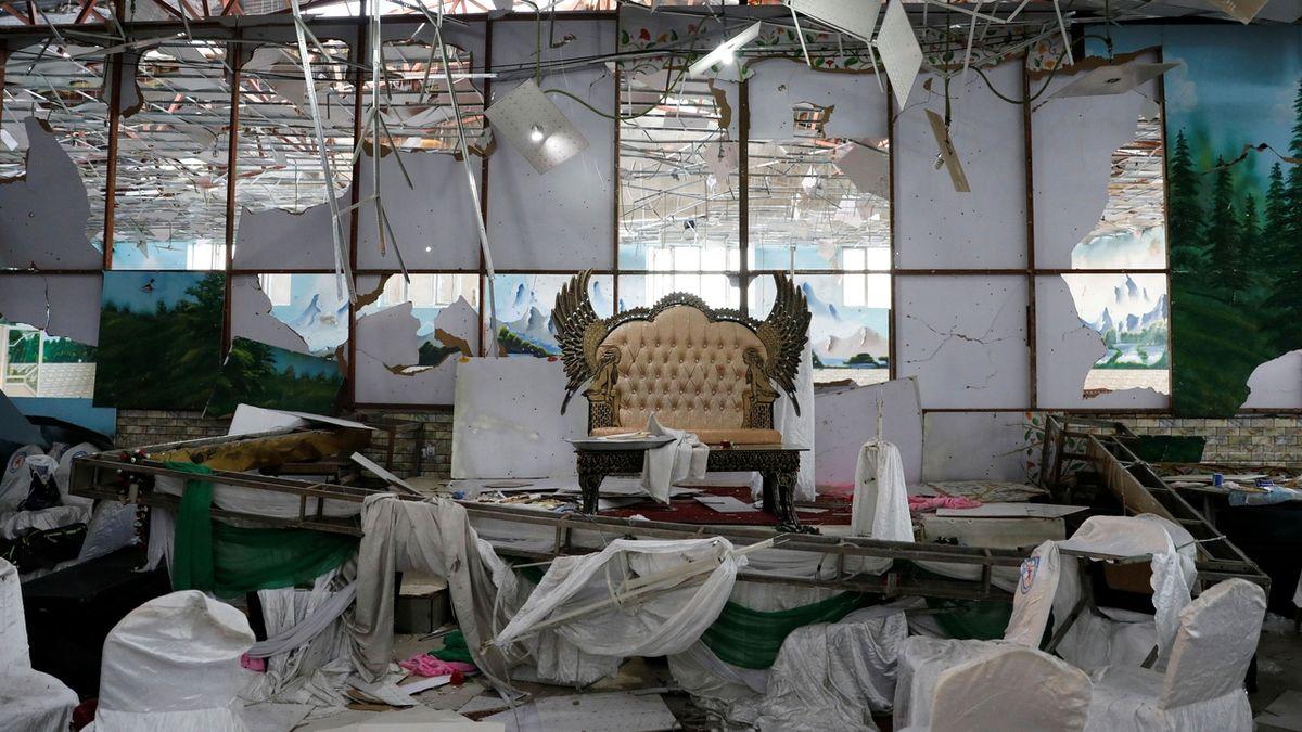 Svatební veselí v Kábulu se změnilo v krvavou lázeň