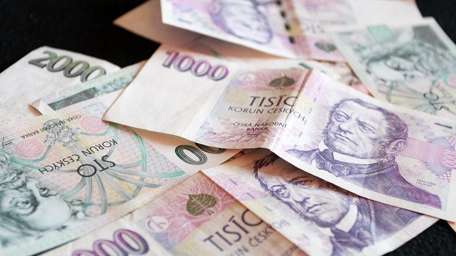 Brigádnice ukradla prázdné šeky, s kamarádkami vybraly skoro 60 tisíc