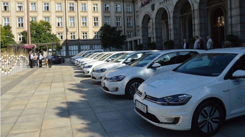 Automobilový park Ostravy se rozšířil odalších jedenáct ekologických vozů