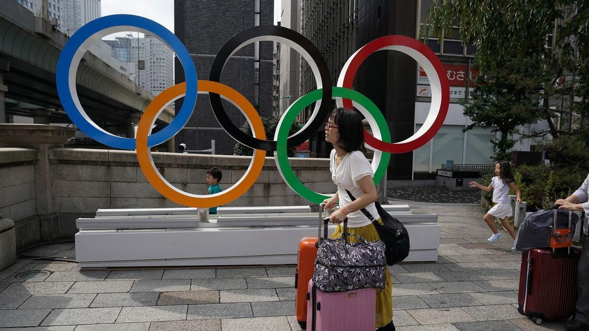 Tokio a hry: kdo pracuje doma, vyhrává