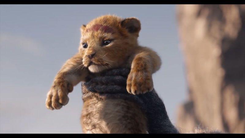 Elton John: Nového Lvího krále jste zpackali