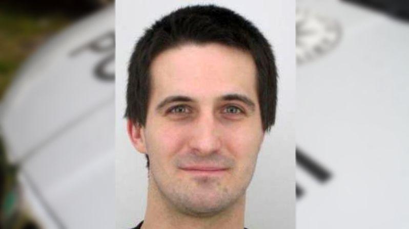 Policie zadržela muže, který se skrýval před 12letým trestem za pobodání kvůli jointu