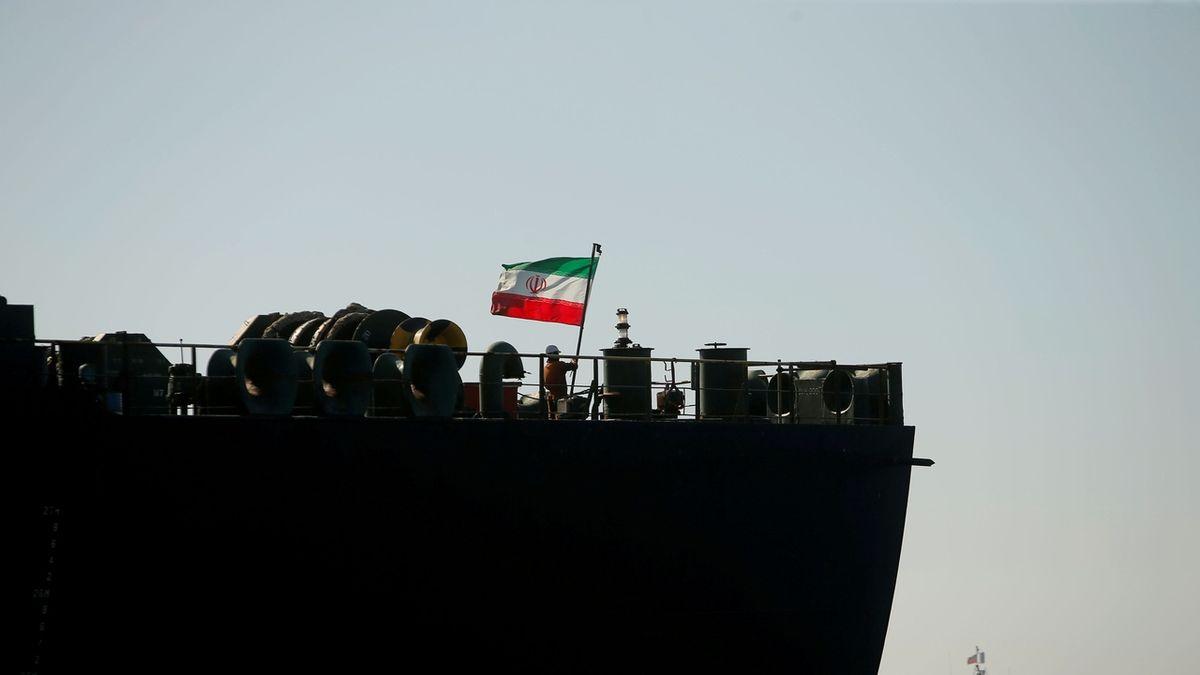 Írán nakoupí po ukončení embarga tanky a letadla