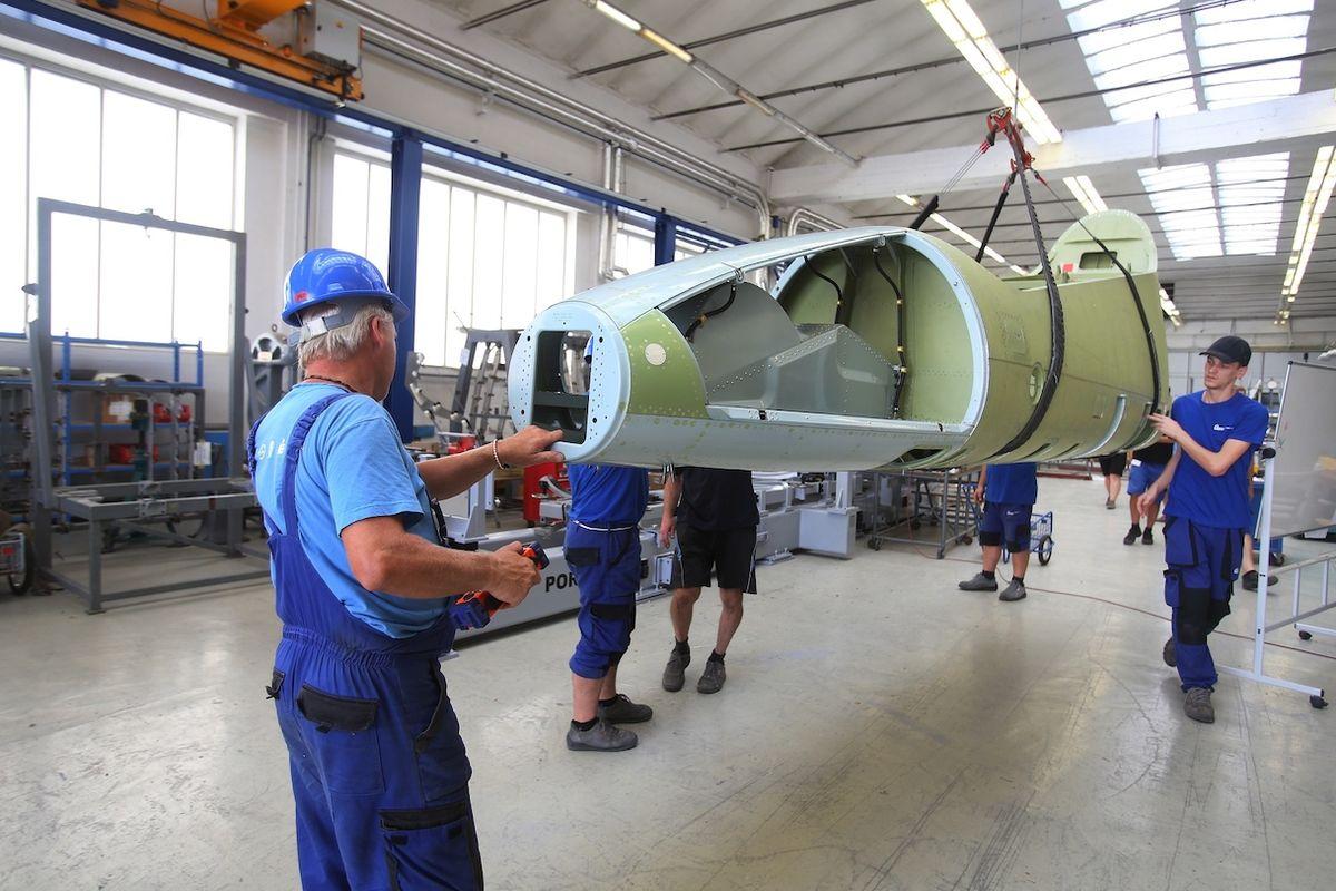 Výroba prvního letounu L-39NG v Aeru Vodochody