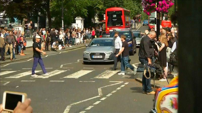 Davy se fotily v Abbey Road k výročí slavné desky a fotky Beatles