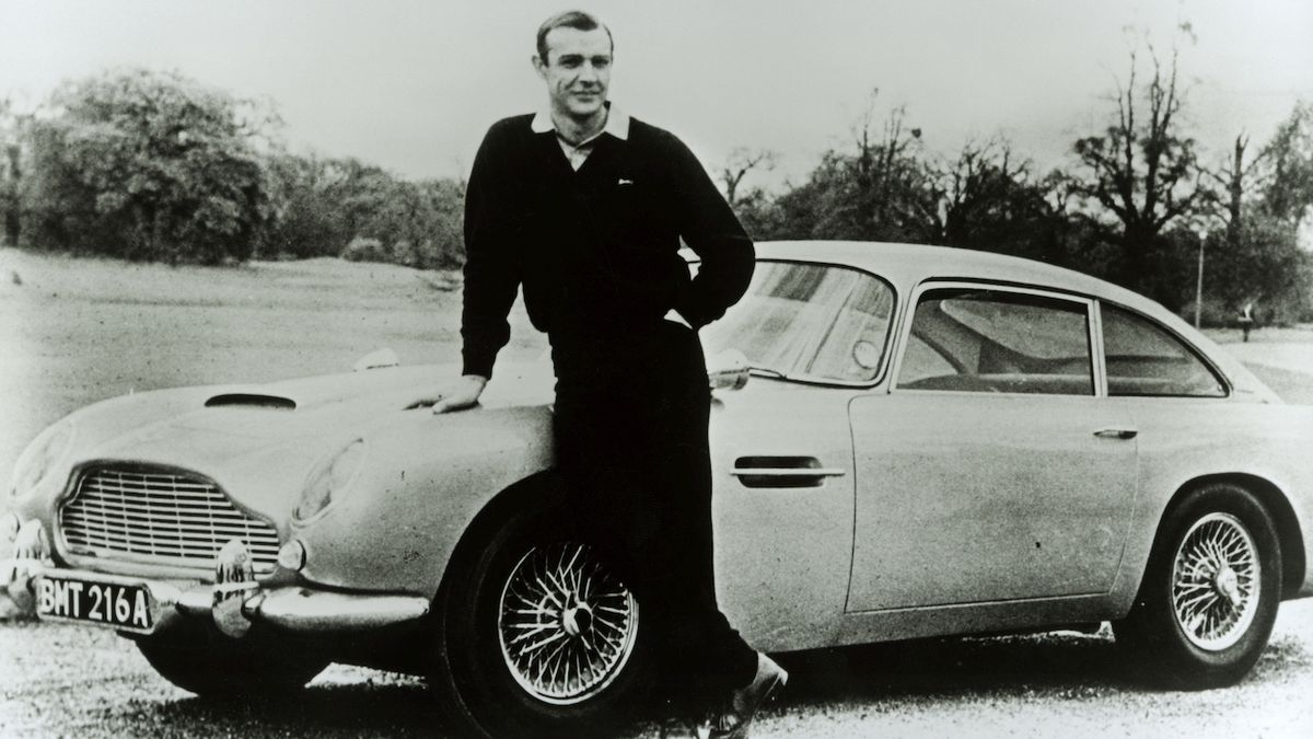 Sean Connery u Astonu Martin DB5
