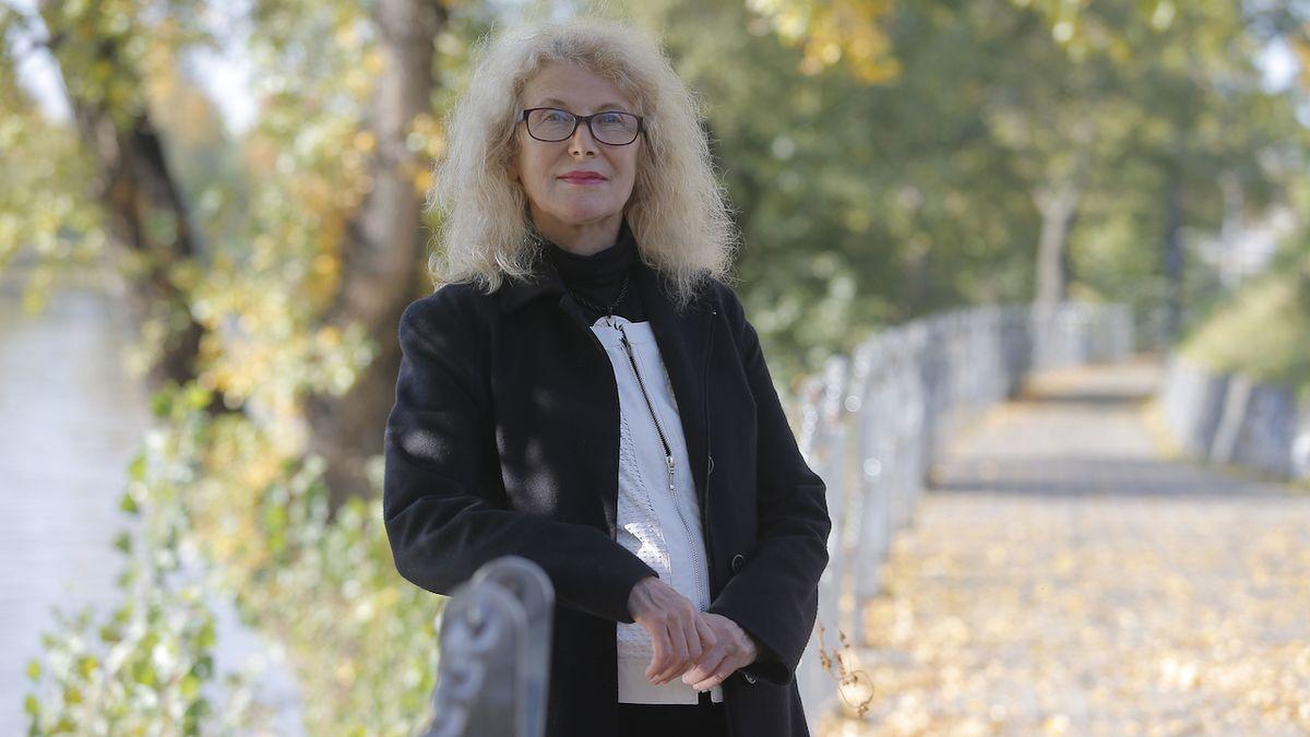 Dana Steinová: Nelíbí se mi, že od seniorů společnost očekává jen dobrovolnickou činnost