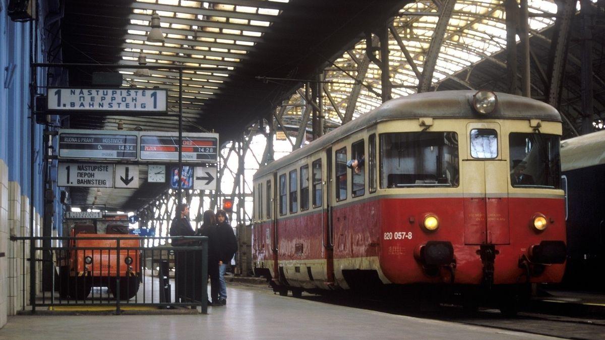 Vlaky zrychlily za třicet let o třetinu