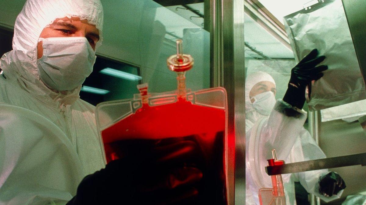 Nová umělá krev poslouží všem pacientům, tvrdí vědci