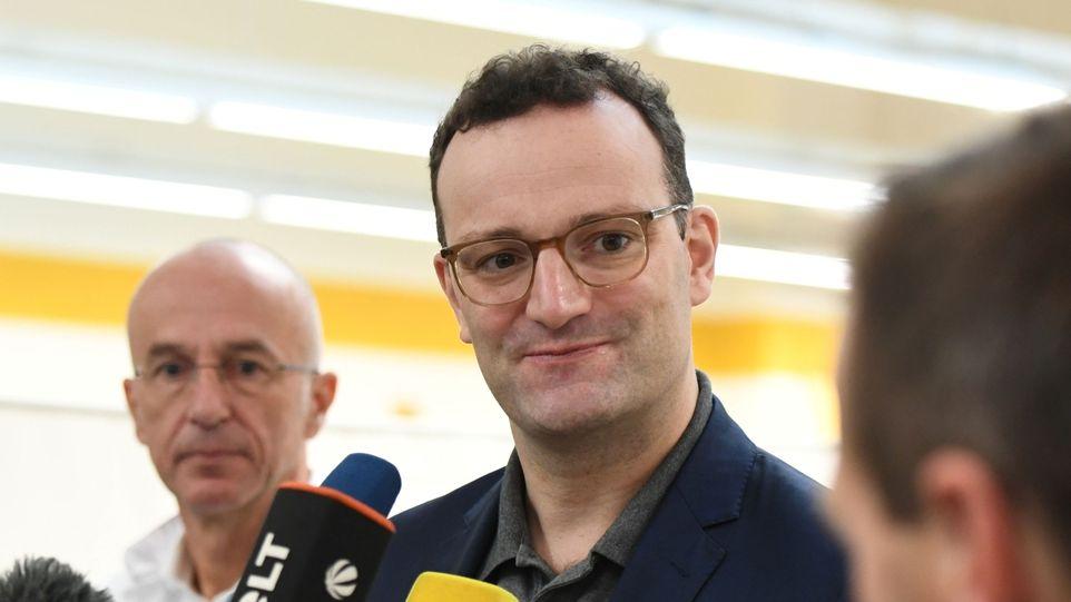 Německý ministr chce zákaz kontroverzní léčby homosexuality u mladistvých