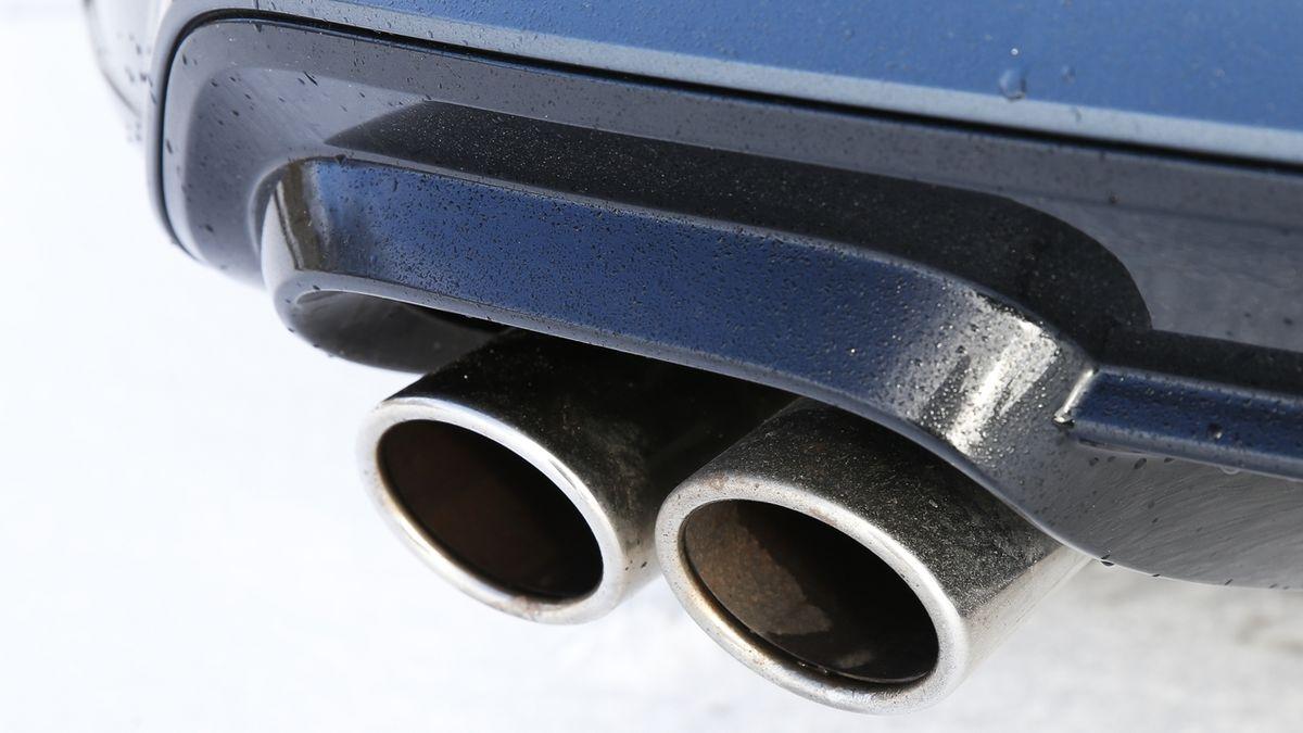 Téměř čtvrtina vytipovaných aut měla při namátkové kontrole problém s emisemi