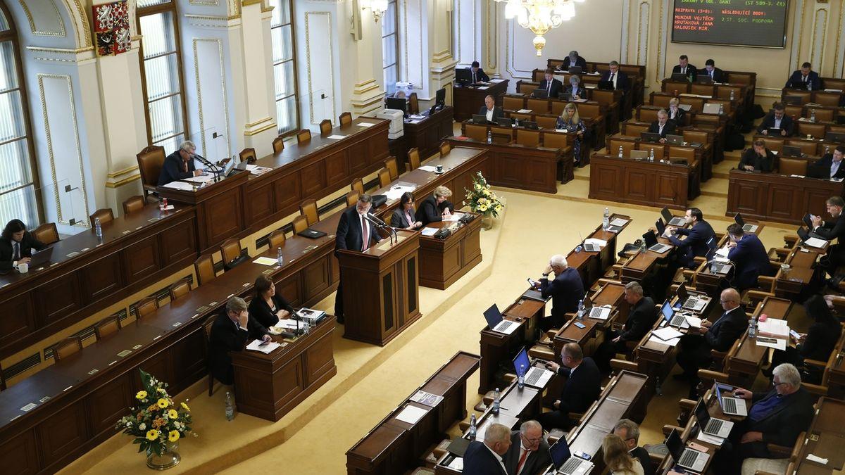 Vláda se zvyšováním daní opět narazila ve Sněmovně do opoziční zdi