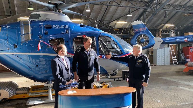 Policie má nový vrtulník za 215 milionů