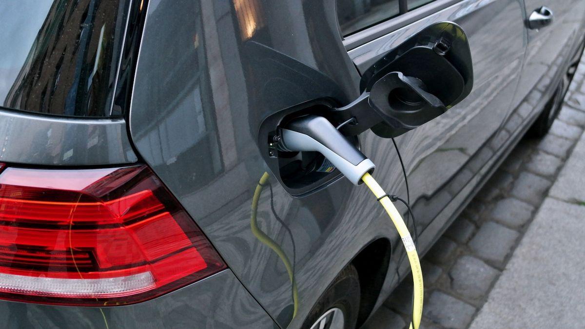 Revoluce v pohonu elektromobilů? Ujedu s ním 2400 kilometrů, tvrdí Brit