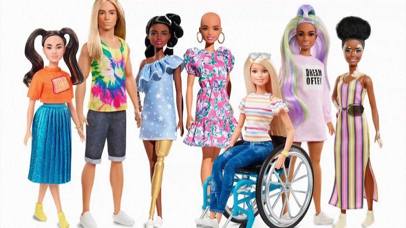 Barbie ztratí vlasy a dostane kožní poruchu. Kvůli rozmanitosti