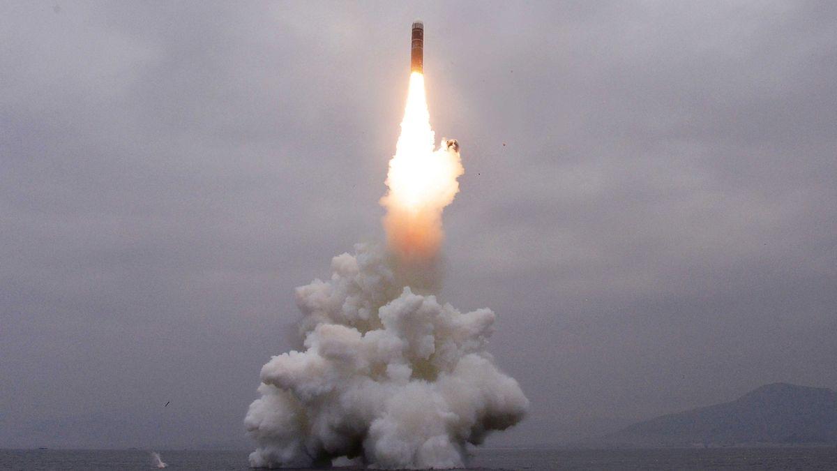 KLDR pohrozila obnovením jaderných testů