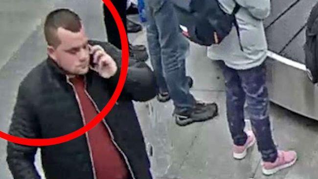 Cizinci přivezli do Prahy přes 140 kilo katy jedlé, jeden zmizel