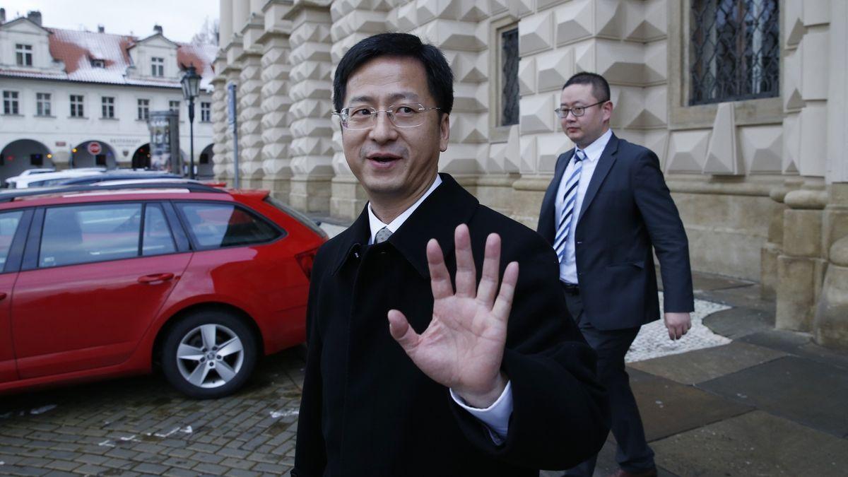 Kubera mi řekl, že cestu na Tchaj-wan může přehodnotit, tvrdí čínský velvyslanec