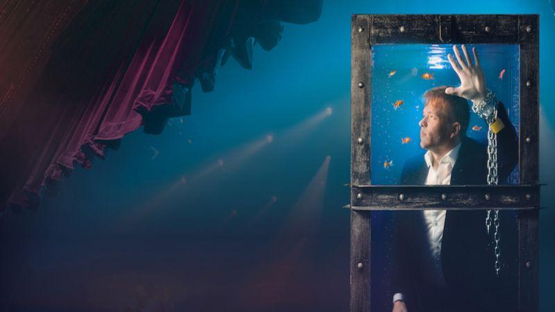 Michal Nesveda předvede trik slavného mága Harryho Houdiniho - únik ztisícilitrové nádrže