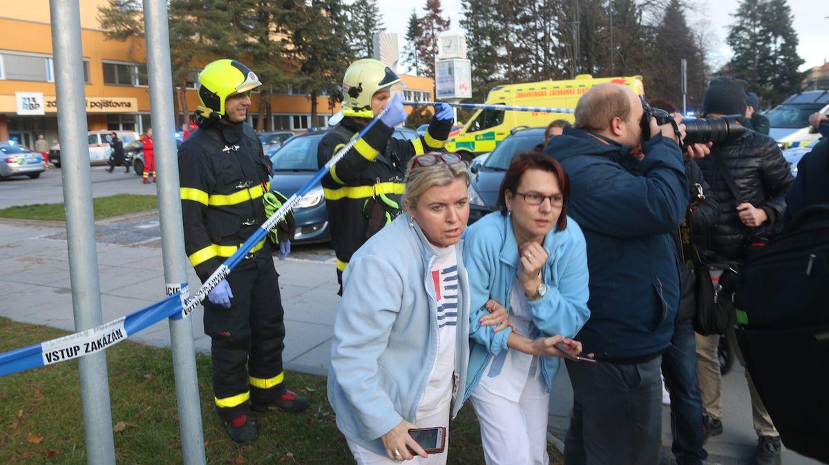 Po střelbě v ostravské fakultní nemocnici policisté evakuovali část personálu i pacientů.