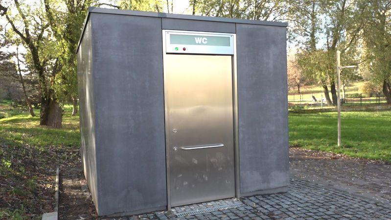 Záchody za miliony. Praha 6 se chce přiblížit západní Evropě