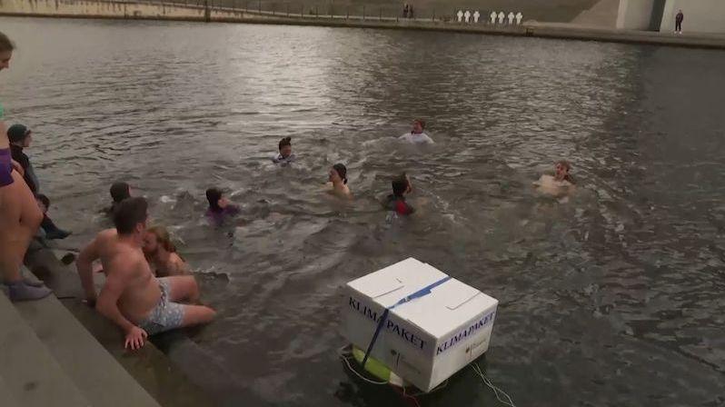 Desetitisíce Němců demonstrují za ekologii, politici poslali klimatický balíček k ledu