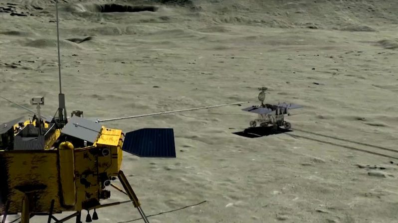 Nefritový králík po odvrácené straně Měsíce urazil skoro 320 metrů