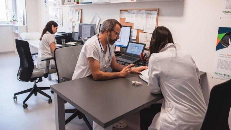 Projekt, na kterém se podílí brněnská klinika, zvýší kvalitu života vyléčených dětských pacientů vdospělosti