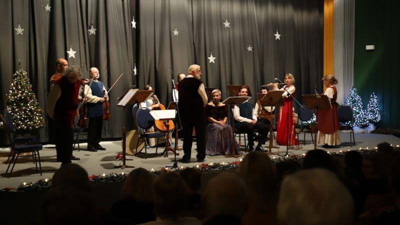 Nevšední hudební zážitek vpodobě vánočního koncertu Dagmar Peckové zažili diváci vHabartově