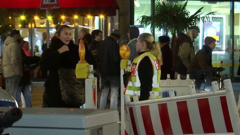 Policie uzavřela kvůli teroristické hrozbě vánoční trh v Berlíně