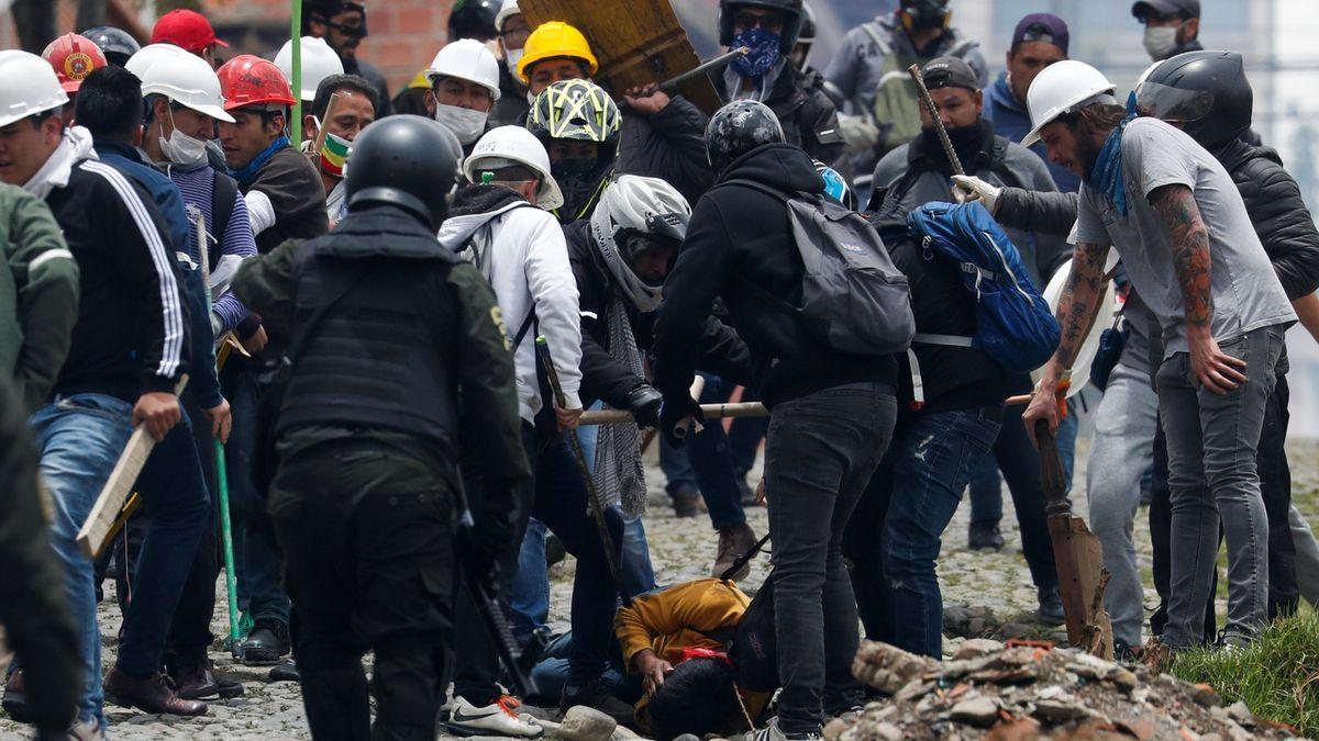 Nepokoje v Bolívii si vyžádaly nejméně pět mrtvých a 75 zraněných