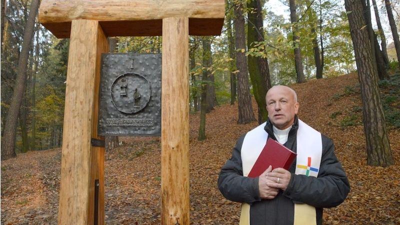 Vostravském Bělském lese najdou lidé Křížovou cestu