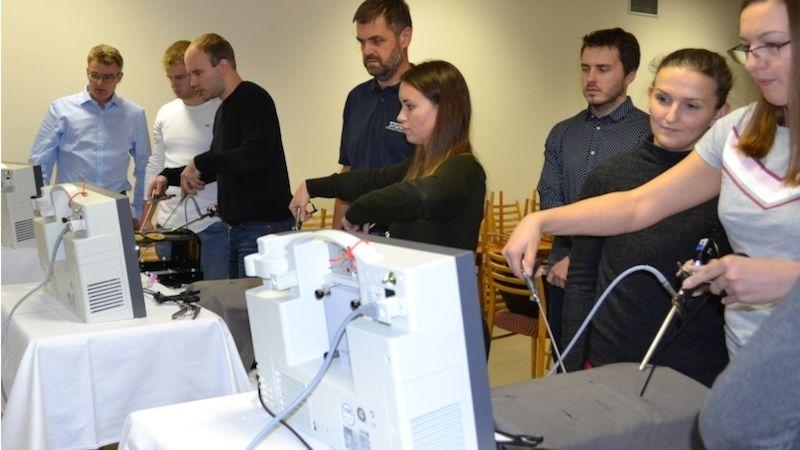 Chirurgové zcelého Česka si zdokonalili operační dovednosti na workshopu vNemocnici Prostějov