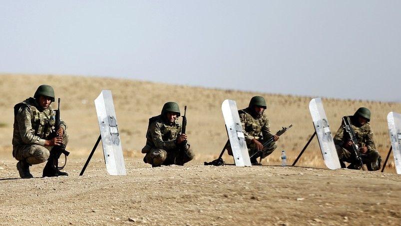 NATO pozastavuje výcvikovou misi v Iráku