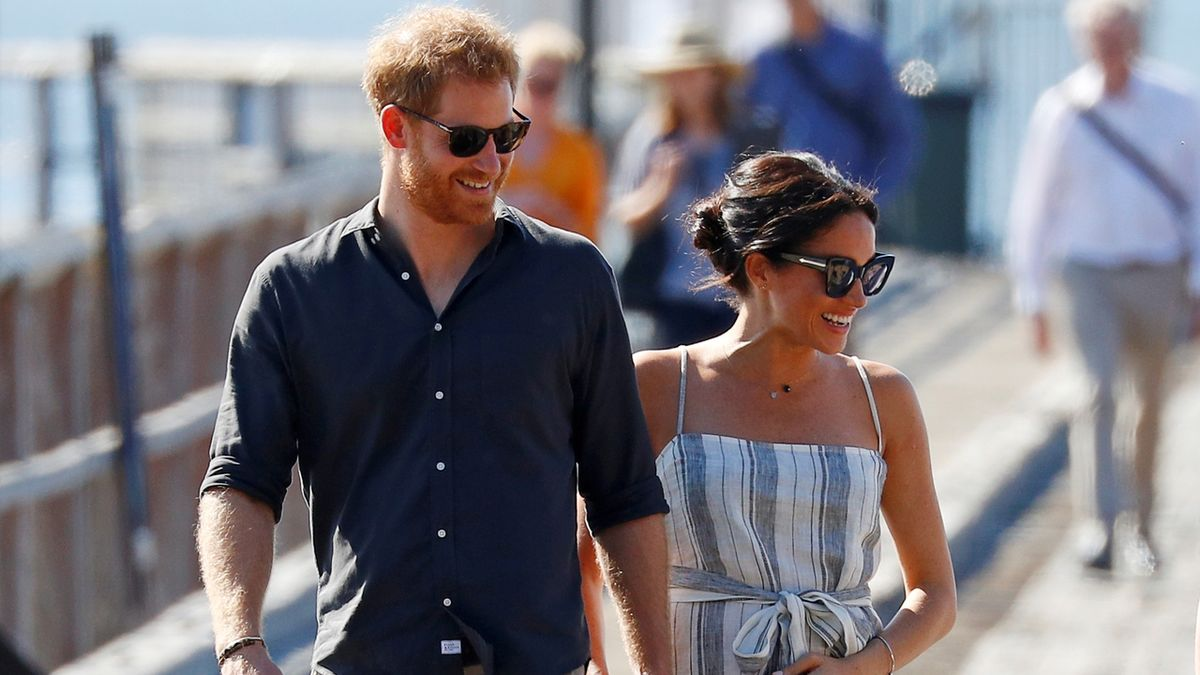 Johnson popřál Harrymu a Meghan šťastnou budoucnost bez královských titulů
