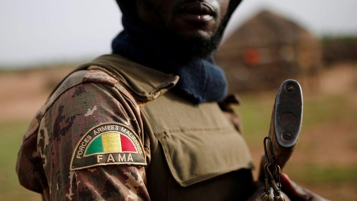 K útoku v Mali s 54 mrtvými se přihlásil Islámský stát
