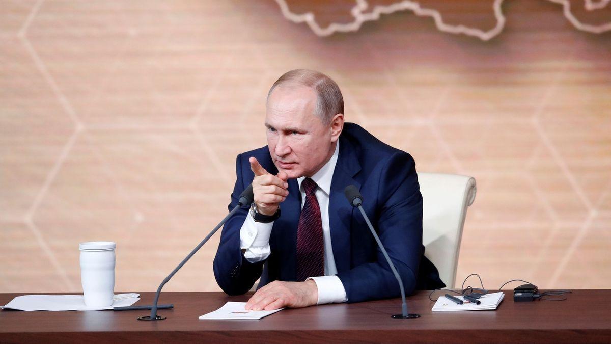 Kde se vzal nový premiér Ruska? Putinovi má zajistit moc do konce života