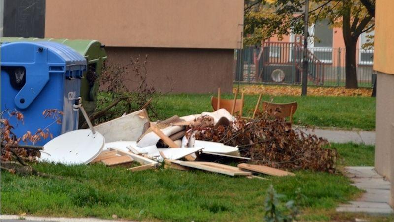 Ostrava vyhlašuje válku černým skládkám ukontejnerů